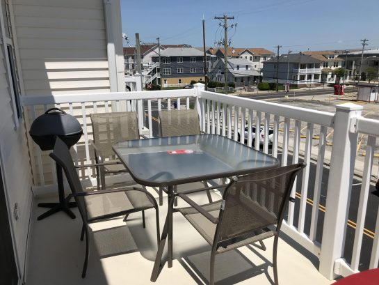 Furnished Deck w/grille