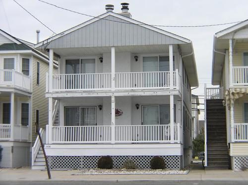 Prime Location * 3 Bedroom 2 Bath * 4 Blocks from Beach and Boardwalk