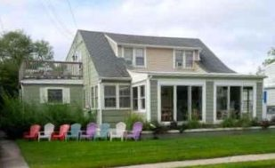 Seaside cottage, one block to the beach, Family Fun!