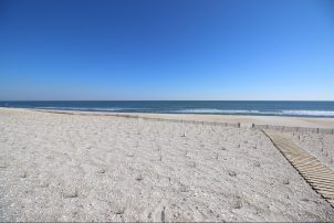 Oceanfront 3 or 6BR Duplex with Stunning Views
