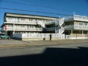 NEW FLYING DUTCHMAN CONDO 1 block from beach with heated pool