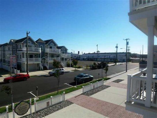 Great View of Boardwsalk on 24th Street