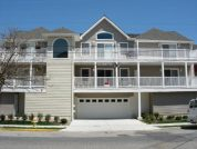Hit the Beach!!! New 3-Br 2-bath Condo near Beach and Boards