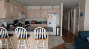 CONVENIENT, SPACIOUS & AFFORDABLE Condo 3 br, 2 ba, sleeps 9