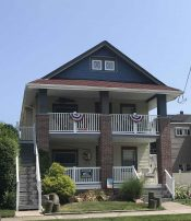 Large duplex 8 bedrooms, sleeps 17, parking, beach chairs and towels