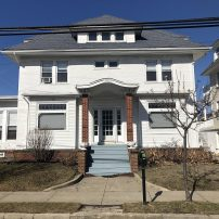 Large Single Family Home Perfect for Multiple Families