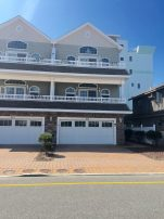 Beach Block Townhome with Beautiful Views of the Ocean