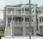$100 of June 9 LOCATION!! BEACH BLOCK!! Sparkling Clean! 4 BR 2.5 BA