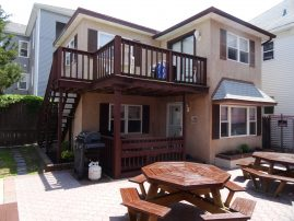 Family Friendly Cottage - walk to Beach, Boardwalk & more - $1100-$1400 (best rate & no fees!)