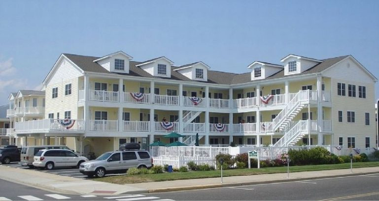 Oceanfront 2 BR Heated Pool &HDTVs Great Family Area- Ocean Views