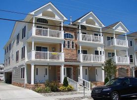 JUNE HUGE Discounts!! Beach Block Beauty - Top Floor Upgraded throughout - Ocean Views from Deck