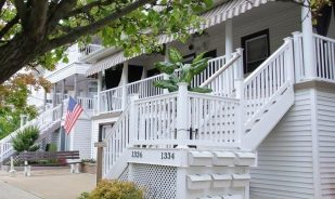 The Sand Dollar Suites - 330 steps to the Beach and Boardwalk 1 & 2 bedrooms