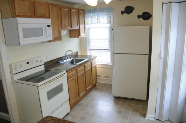 Suite F - Spacious 475 sq. ft., 1 Bedroom, sleeps 6