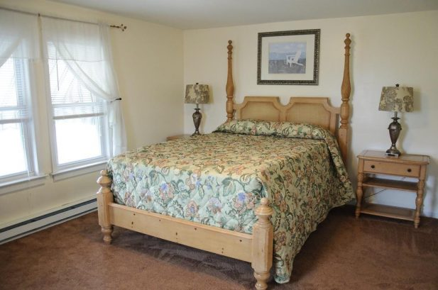 Suite G - Spacious 1475 sq. ft., 3 Bedroom, sleeps 10