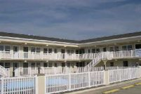 New 2 Bdrm, 2 Full Bath Condo w 2 Pools, 1.5 blks to Beach Bd