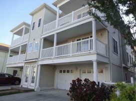Gorgeous 3 Bedroom, 2 Bath Newer Condo - Awesome location. 1 Block To Beach, Boards.