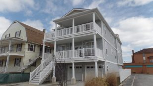 Newer Condo close to Beach