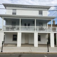 Maddy's Beach House : Sleeps 20+ :Great for Family Reunions and Large Group Rentals