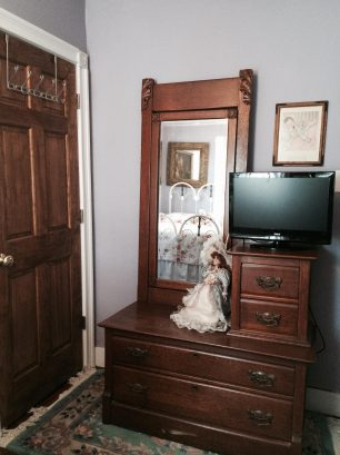 "Antique dresser & 27"" HDTV/DVD/cable in Dreamscapes Bedroom"