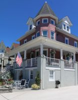 Groups Welcome! Beautiful Beach Block Victorian ~ Main House Sleeps 18, add 2 units to sleep 40