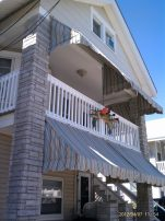 Beach block - Northend Sleeps 10! Simple Beach Cottage Close to everything!