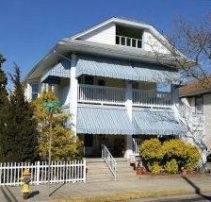 Beach Block - 3BR 1.5 Bth Private Driveway Wash/Dry GREAT location!