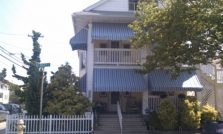 Beach Block - 3BR 1.5 Bath Sleeps 10 Northend - Partial week available! Parking