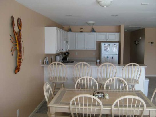 Kitchen With Seating For 10