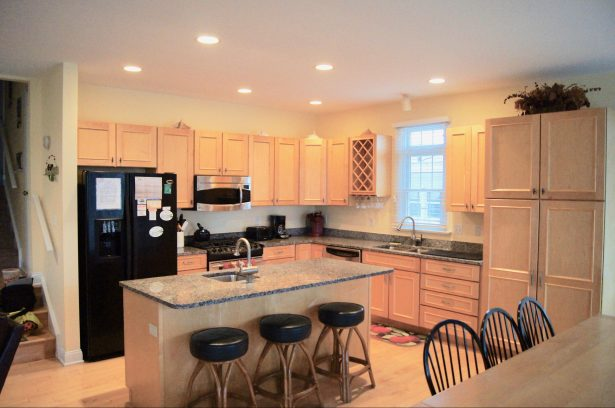 Kitchen W/Granite Counter Tops and Center Island Seating