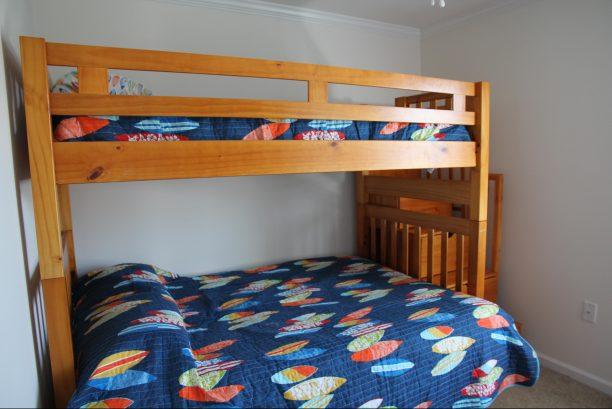2nd Floor Bunk Room (Twin over Full Futon)