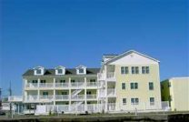 NEW OCEANFRONT-2 Bedroom-Heated Pool
