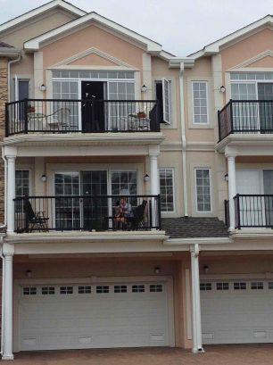 Top floor condo