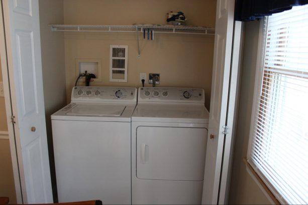 Washer/Dryer off Nook