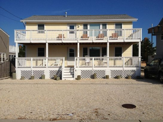 Great Deal! Family Home Close to Beach and Center of Town