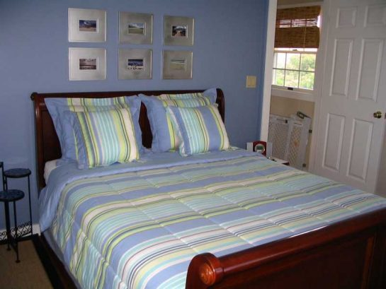 Queen Bed in Main Bedroom (31 Lafayette Ave)