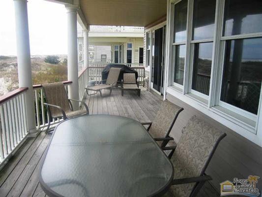 Large Deck facing the Ocean