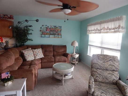 GREAT LOCATION * STEPS TO BEACH AND BOARDWALK