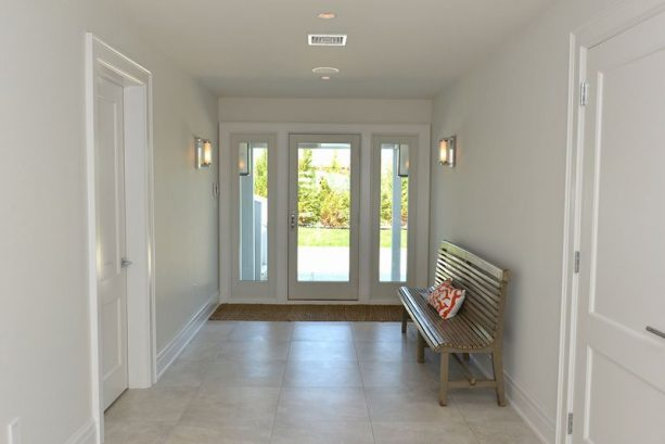 Entry - 1st floor