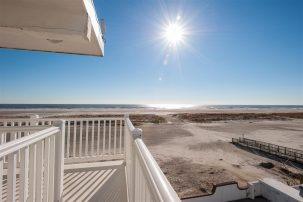DIRECT OCEANFRONT VIEW with HEATED POOL and FREE INTERNET