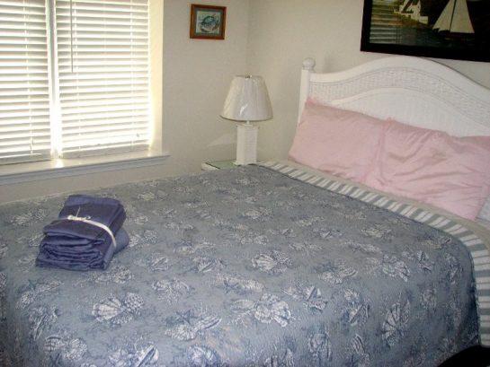 Master Bedroom - Queen Bed - 203