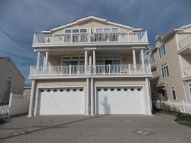 Luxury ocean front home w/ ALL new furnishings. Elevator. Quiet end of island.