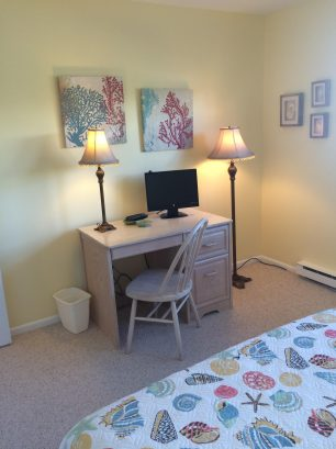 "Main bedroom has desk area w/ 19"" flat screen TV"