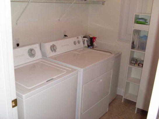 Full Size Laundry Room.