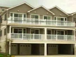 Immaculate newer!.Steps to boardwalk beach w pool