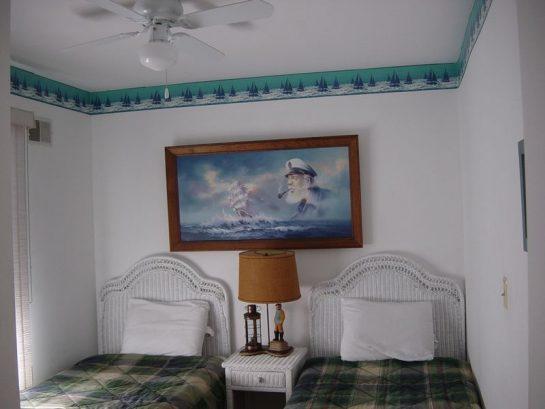 2nd Floor twin Bedroom.