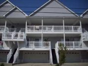 2 Blocks to Beach Boardwalk - GREAT RATES GREAT LOCATION