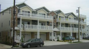 OCEANVIEWS * BEACHBLOCK * 4 Bedrooms and 3 Baths * Sleeps 10