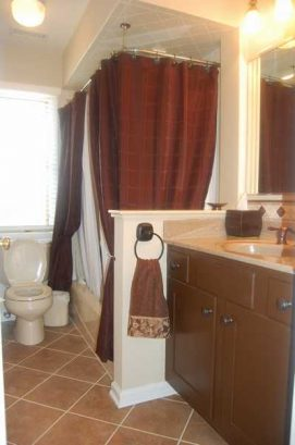 Downstairs Bath,new Tile Floor, 3Position Shower Massage W/ Hose