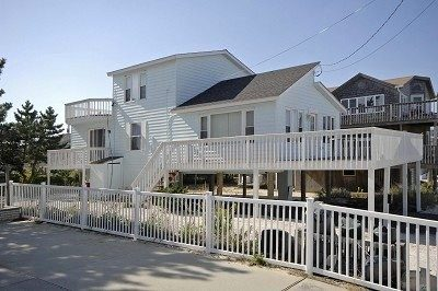 SUNSETTER SUPER SURF CITY 4 BEDROOM, OCEANSIDE BEACH HOUSE
