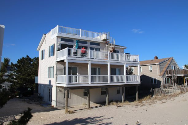 SANDY HAVEN STUPENDOUS FIVE BEDROOM OCEANFRONT HOUSE